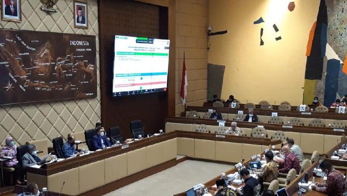 Komisi II DPR RI menggelar rapat kerja bersama Kemendagri, DKPP, KPU, dan Bawaslu.