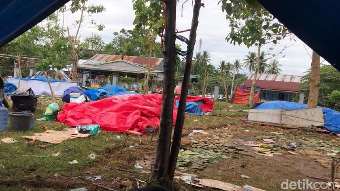 Lokasi tenda pengungsian yang viral TNI minta warga bongkar tenda (Tim detikcom).