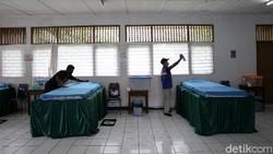 Gugus COVID-19 RW 03, Kelurahan Pondok Labu, Cilandak, Jaksel, berinisiatif menyediakan ruangan untuk isolasi mandiri warga positif Corona. Begini ruangannya.