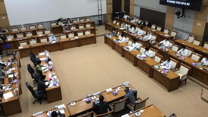 Rapat kerja Komisi VIII DPR bersama Menag bahas biaya haji 2021 (Rolando/detikcom)