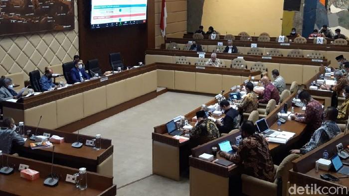 Rapat Komisi II DPR dengan KPU hingga DKPP (Rahel Narda Chaterine/detikcom).