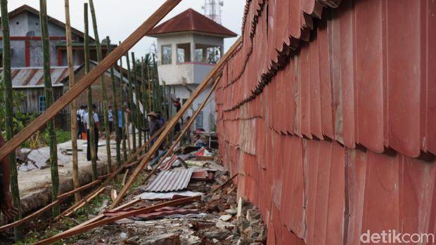 Rutan Mamuju turut terdampak gempa magnitudo (M) 6,2 yang mengguncang Sulbar (Hermawan/detikcom).