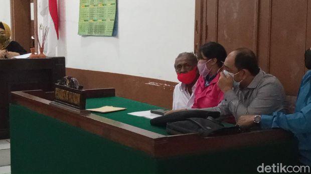 Sidang anak gugat ayah kandung di Bandung ditunda