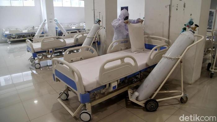 Tower 8 dan 9 Wisma Atlet Pademangan dialihfungsi jadi tempat isolasi pasien COVID-19. Area itu diperuntukan untuk pasien COVID-19 tanpa gejala-bergejala ringan