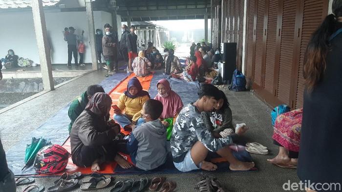 Warga Terdampak Banjir Bandang di Gunung Mas Puncak Bogor