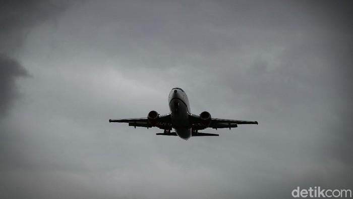 BMKG memprediksikan cuaca ekstrem dan puncak musim hujan terjadi pada Januari dan Februari 2021. Cuaca ini berpotensi menggangu sektor penerbangan.