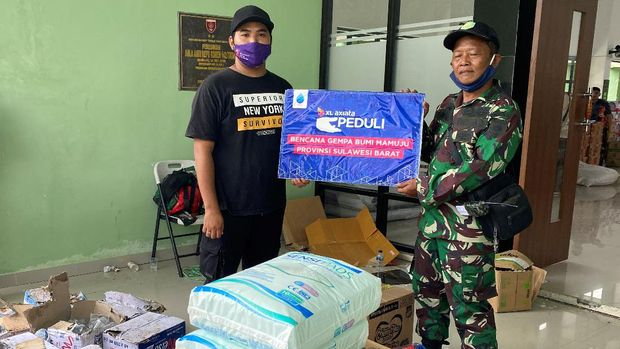 XL Axiata menyalurkan bantuan sembako dan menggratiskan layanan telekomunikasi bagi para pelanggan mereka yang terdampak gempa di Sulawesi Barat.