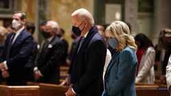 Trump Tinggalkan Pesan untuk Biden di Gedung Putih, Apa Isinya?