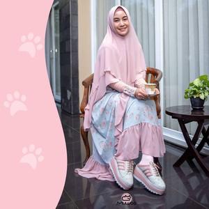 Anisa Rahma Rilis Sepatu Syari, Ini Bedanya dengan Sepatu Biasa