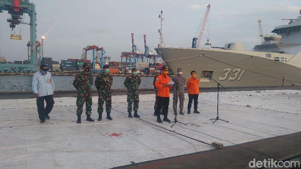 Hari Ke-12 Evakuasi SJ182, Basarnas Terima 1 Kantong Serpihan Pesawat