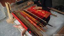 Cerita Keistimewaan Kain Tenun dari Desa Sukarara Lombok