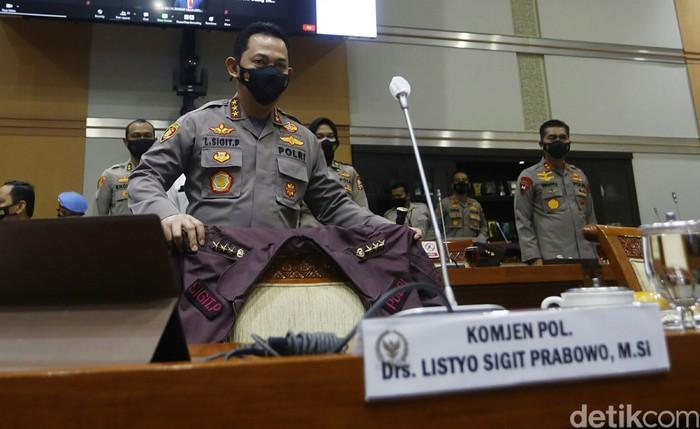 Komjen Listyo Sigit Prabowo menjalani uji kelayakan dan kepatutan (fit and proper test) calon Kapolri di Komisi III DPR, Rabu (20/1/2021).