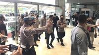 Bareng Jenderal Idham, Komjen Sigit Tiba di DPR untuk Uji Calon Kapolri
