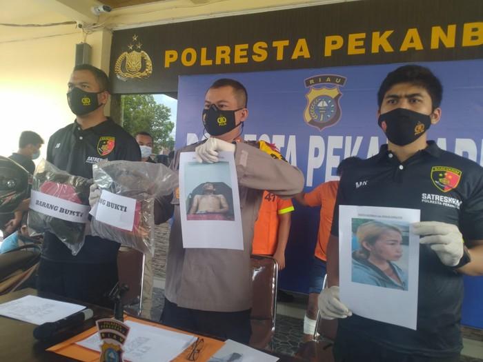 Konferensi pers penyiraman air keras di Polresta Pekanbaru (Raja Adil-detikcom)