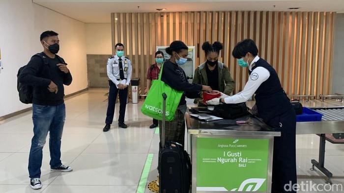 Kristian Gray diberangkatkan dari Bali menuju Bandara Soekarno-Hatta Jakarta malam ini (dok Istimewa)