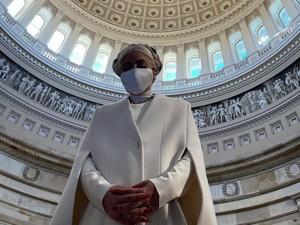 Lady GagaTampil Serba Putih Jelang Pelantikan Presiden AS, Bak Malaikat
