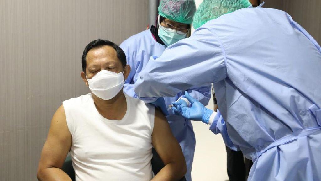 Disuntik Vaksin COVID-19, Tito: Tidak Terasa Apa-apa