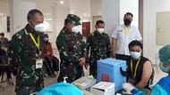 Cek Langsung Vaksinasi Nakes, Pangdam Jaya Merapat ke Wisma Atlet