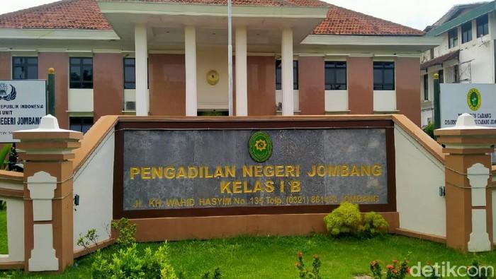 Pengadilan Negeri Jombang Di-Lockdown