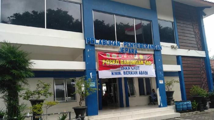 Posko pencarian nelayan hilang di Pelabuhan Jepara