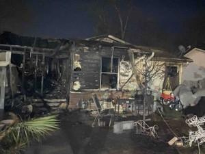 Kehilangan Penciuman karena Corona, Satu Keluarga Tak Tahu Rumahnya Kebakaran