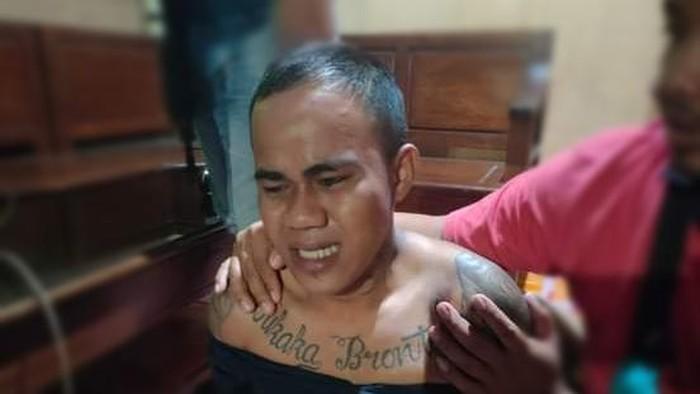 Sakka alias AU (20) yang buron 2 bulan usai menikam istrinya bertubi-tubi (dok. Istimewa).