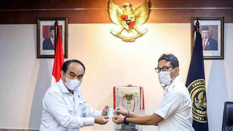 Menparekraf Sandiaga Uno bersama Wakil Menteri Desa, Pembangunan Daerah Tertinggal dan Transmigrasi, Budi Arie Setiadi (18/1).