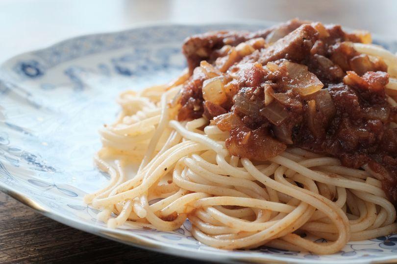Spaghetti Bolognese Warna Biru Ini Disebut Netizen Menu Shrek