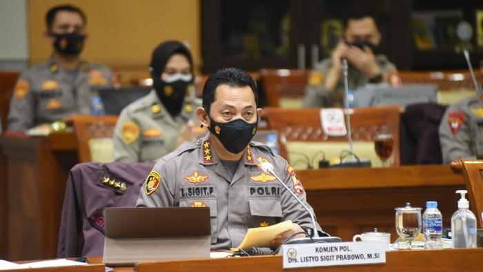 Suasana fit and proper test calon Kapolri Komjen Listyo Sigit Prabowo