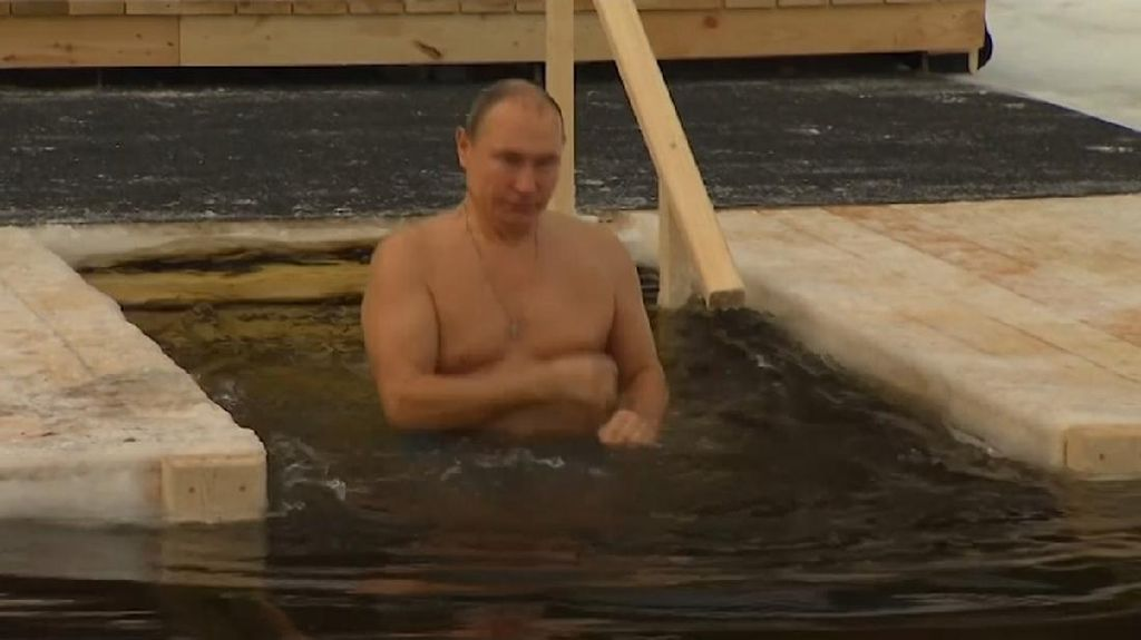 Di Masa Pandemi Corona, Putin Jalani Ritual Epiphany