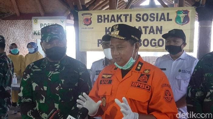 Wagub Jabar Uu Ruzhanul Ulum menduga ada kerusakan di hulu sungai yang menyebabkan banjir bandang Bogor