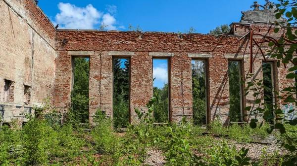 Kota Borne Sulinowo menyimpan rahasia persembunyian nuklir di masa lalu. Tempat ini menjadi saksi sejarah peperangan. (Getty Images)