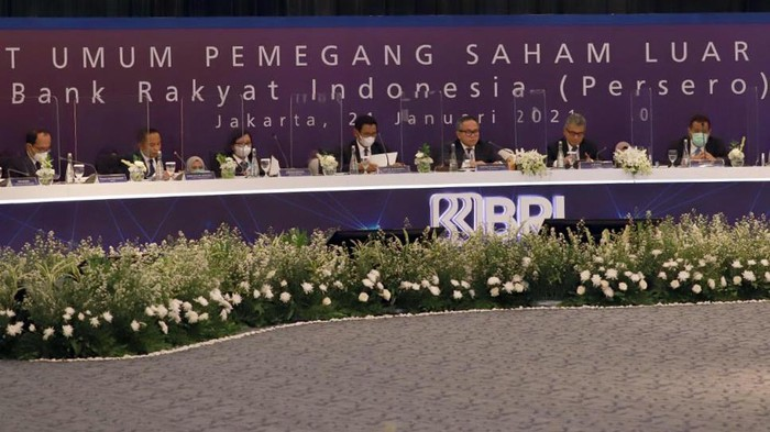 PT. Bank Rakyat Indonesia (Persero) Tbk. menyelenggarakan Rapat Umum Pemegang Saham Luar Biasa (RUPSLB) di Jakarta (21/1). Dalam RUPSLB tersebut perseroan kian menegaskan fokus BRI untuk membangkitkan UMKM yang merupakan tulang punggung perekonomian nasional melalui perubahan nomenklatur dan pengurus perusahaan.