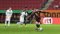 Augsburg Vs Bayern Munich: Gol Penalti Lewandowski Menangkan Die Roten