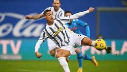 Rekor! Ronaldo Jadi Pencetak Gol Terbanyak di Dunia