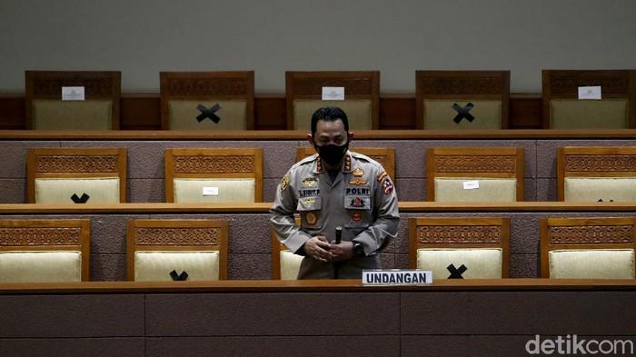 DPR RI setuju Komjen Listyo Sigit Prabowo menjadi Kapolri menggantikan Jenderal Idham Azis. Persetujuan itu diambil dalam rapat paripurna DPR.