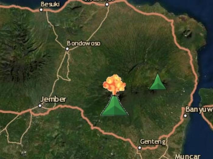 Gunung Raung erupsi. Total erupsi yang tercatat Pos Pengamatan Gunung Api (PPGA) Raung sebanyak 32 kali.