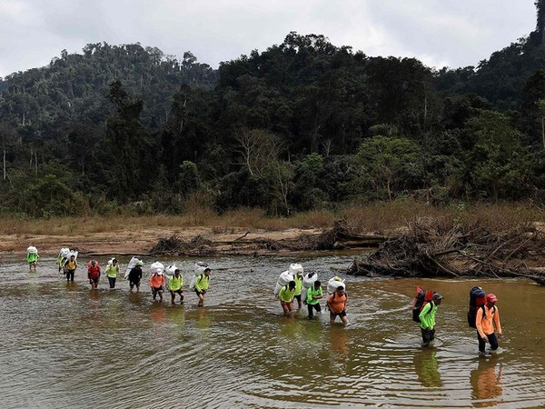 Menggenjot wisatawan domestik, Gua Han Son Doong ramai kembali. (AFP)
