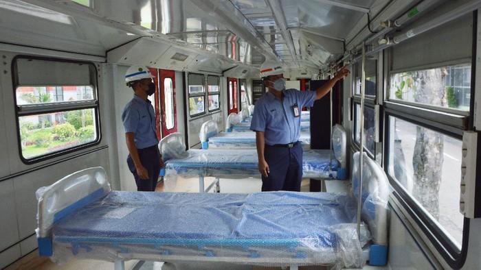 PT INKA (Persero) merombak KRL menjadi tempat isolasi pasien COVID-19. Ada tiga rangkaian KRL yang terdiri dari 8 kereta dirombak menjadi Kereta Medik Darurat.
