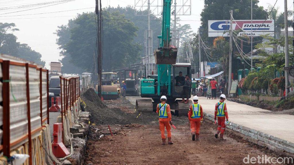Jalan Soekarno Hatta Bandung Dilebarkan