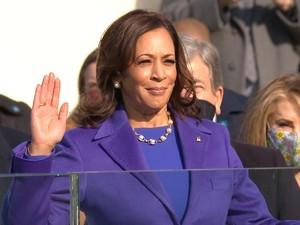 Makna Baju Ungu yang Dipakai Kamala Harris di Pelantikan Joe Biden