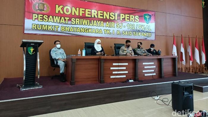 Konferensi pers identifikasi korban Sriwijaya Air SJ182 (Karin Nur Secha/detikcom).