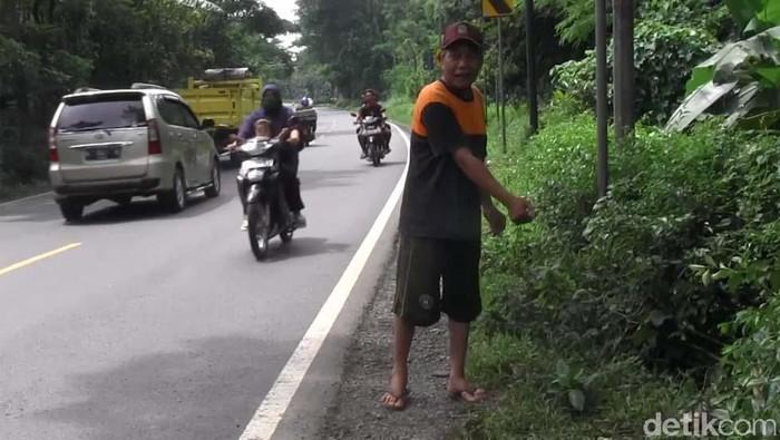korban begal ditemukan tewas di pinggir jalan lumajang
