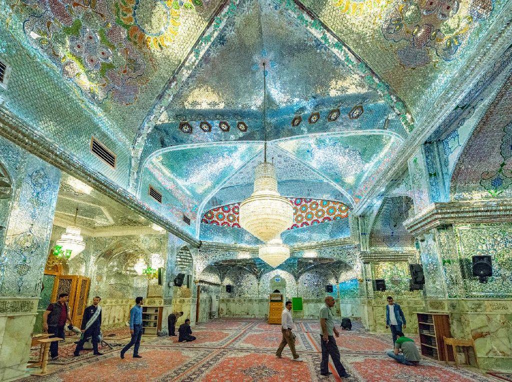 Iran Punya Masjid yang Indah dan Menawan Bak Galeri Seni
