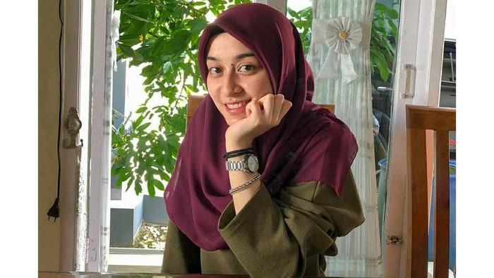 Mengenal Maya Nabil, mahasiswa S3 ITB yang baru berusia 21 tahun