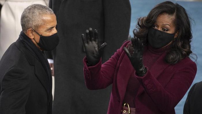 Sejumlah mantan presiden AS menghadiri pelantikan Joe Biden. Mereka adalah Barack Obama, Bill Clinton dan George W. Bush.