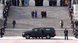 Pelantikan Berakhir, Kamala Harris Antar Pence Tinggalkan Gedung Capitol