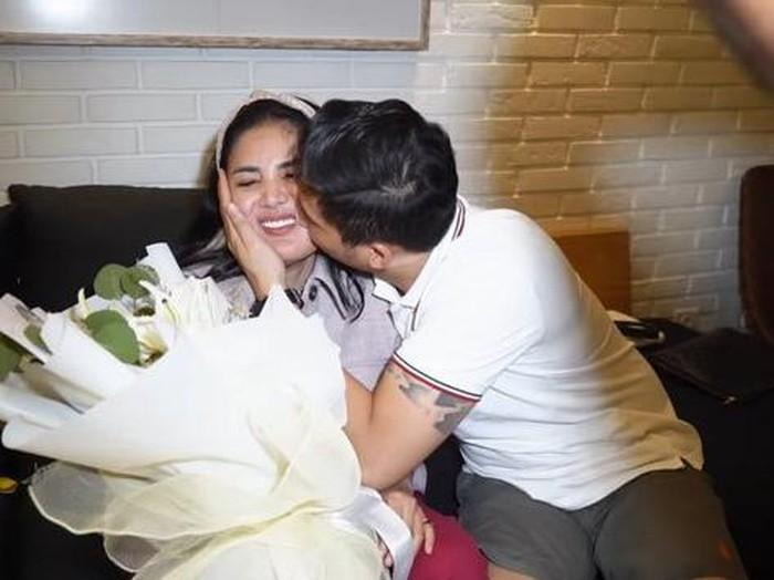 Nindy Ayunda & Askara Parasady Harsono