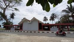 Bangunan Lucu Ini Percantik Pantai Karapyak Pangandaran