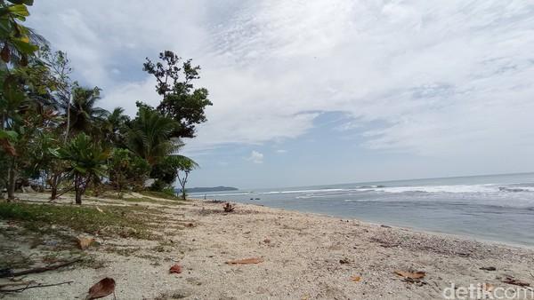 Pantai Karapyak di Kecamatan Kalipucang Kabupaten Pangandaran kini punya spot wisata baru. Hal itu menyusul rampungnya upaya penataan yang dilakukan oleh pemerintah kabupaten.